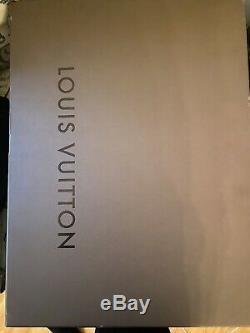 Designer bathrobe Luois Vuitton Size XL Damier New With Tags Bath Modern Design