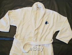 Pokemon Center Pikachu Embroidered White Bath Robe Men Women OSFA NWOT new gift