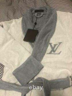 Unused Louis Vuitton LV Logo Bathrobe Size XS Unisex Rare