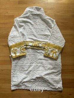 Versace White and Gold Baroque Print Bathrobe Small